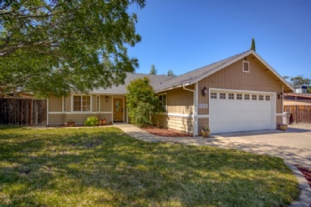 Photo of 1565 Riviera Dr  Redding CA