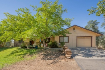 Photo of 15055 Peppertree Ln  Red Bluff CA